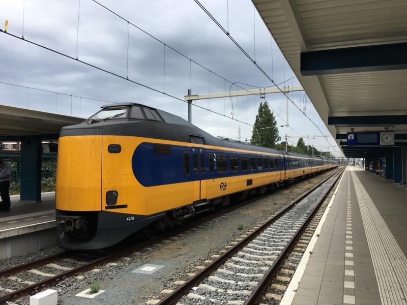 94 84 4 390 209-3 NL-NS Enschede