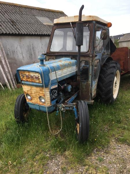 Traktor für Fischerei  Mobile.2w2kjy