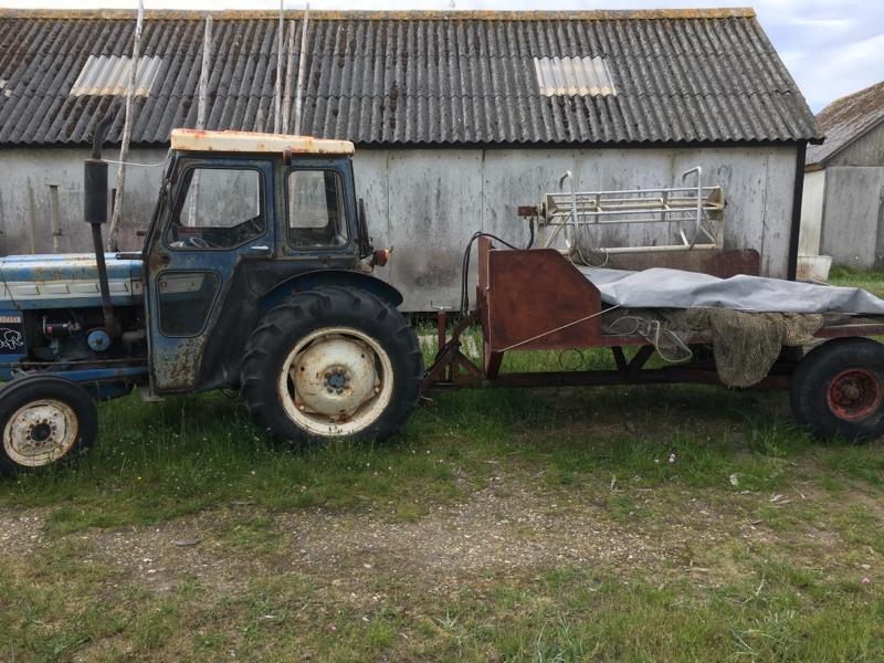 Traktor für Fischerei  Mobile.5t3k1w