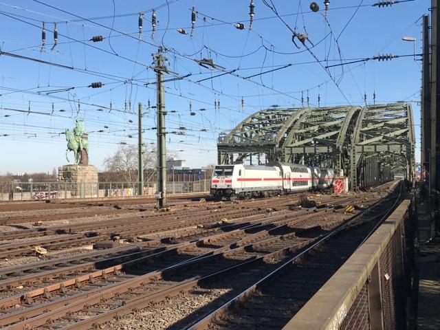 91 80 6146 564-0 D-DB Köln Hohenzollernbrücke