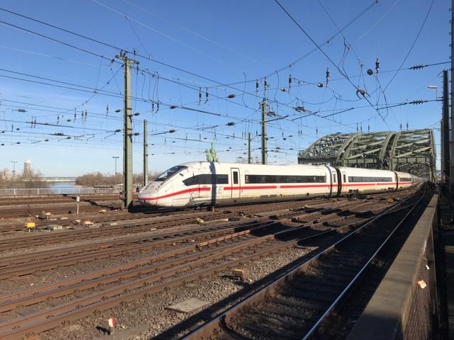 93 80 5812 015-6 D-DB  Köln Hohenzollernbrücke