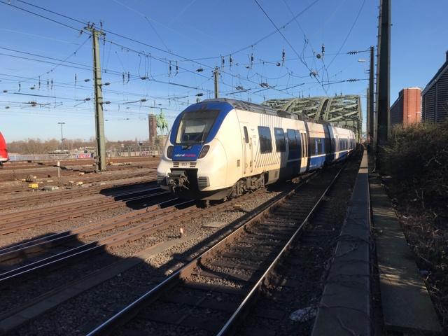 94 80 9 442 853-9 D-NXG Köln Hohenzollernbrücke
