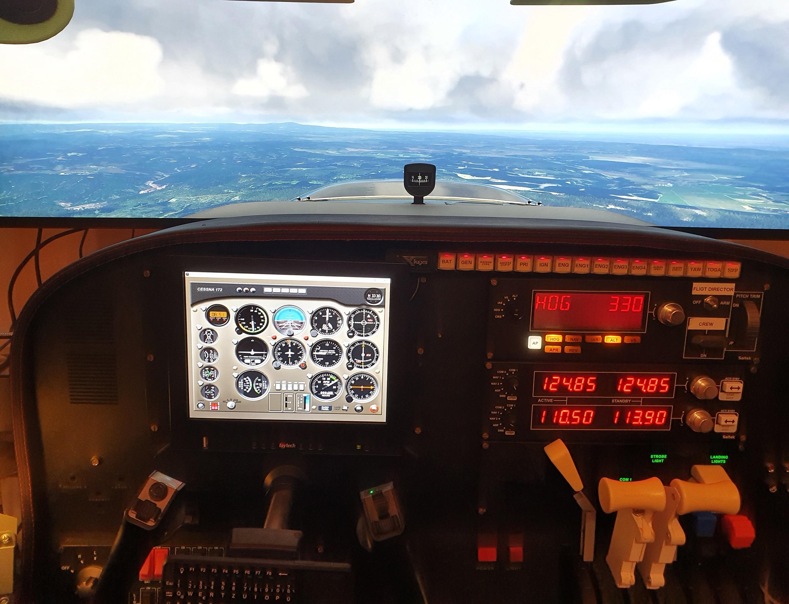 msfsimhomecockpit8fkpn.jpg