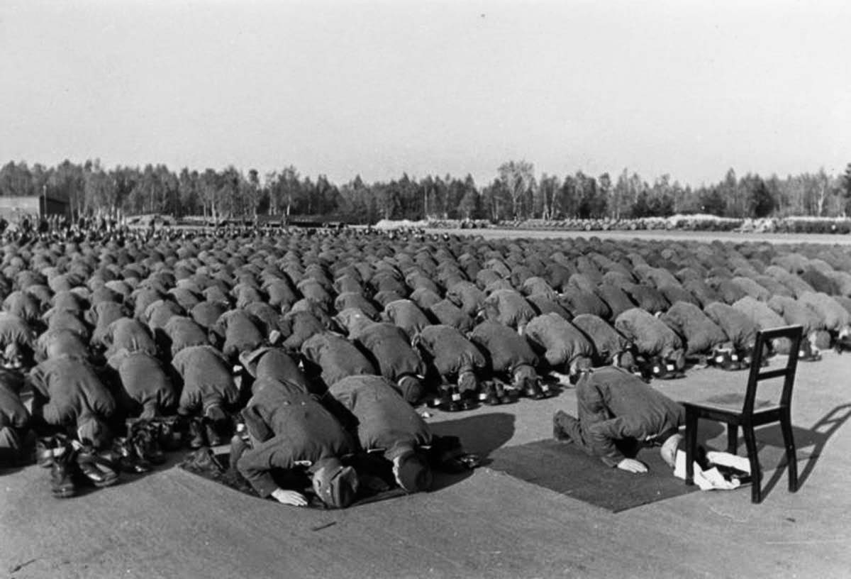 muslimmembersofthewaf3fs1b.jpg