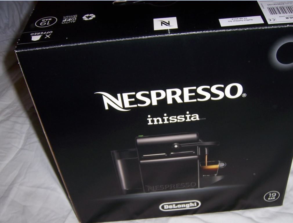 nespresso delonghi inissia en 80 b kaffeemaschine kapsel schwarz neu garantie ebay. Black Bedroom Furniture Sets. Home Design Ideas