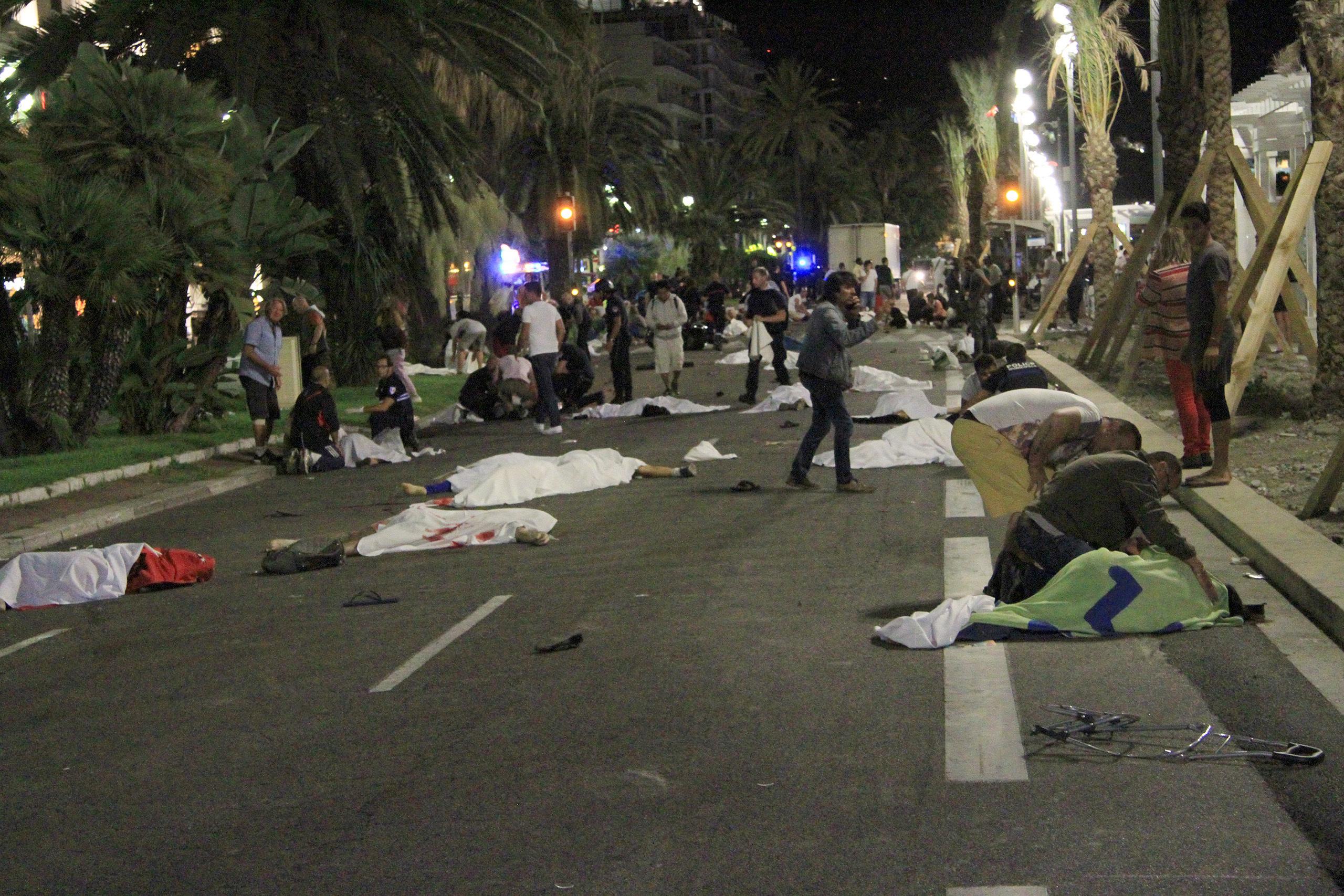 [Bild: nice-terrorist-attacksisvs.jpg]