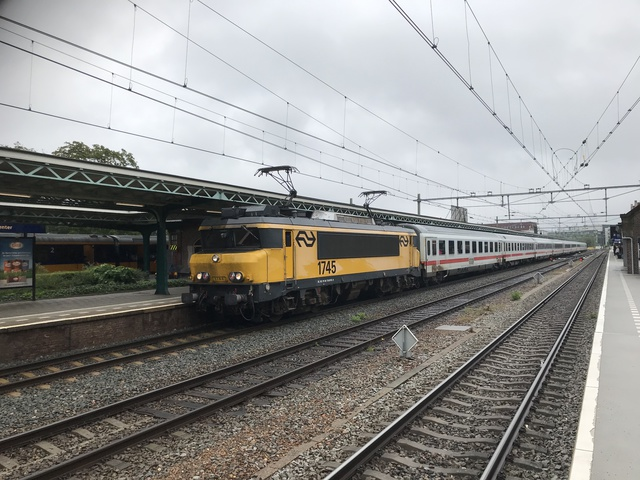 NL NS 91 94 1560 745-9 IC 242 Deventer