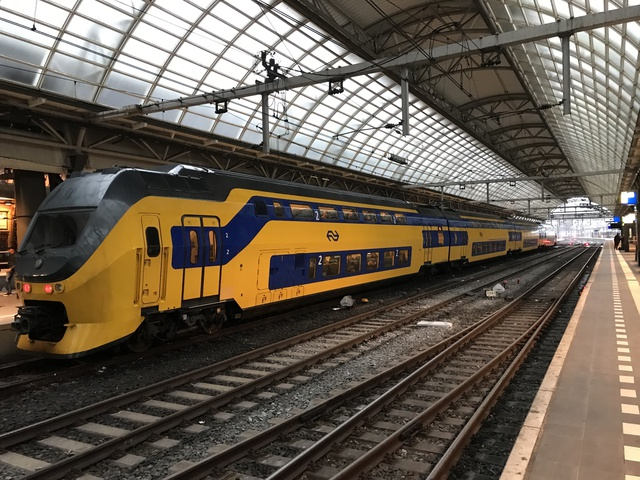 NL NS 94 84 4921285-1 IC 858 Amsterdam Centraal
