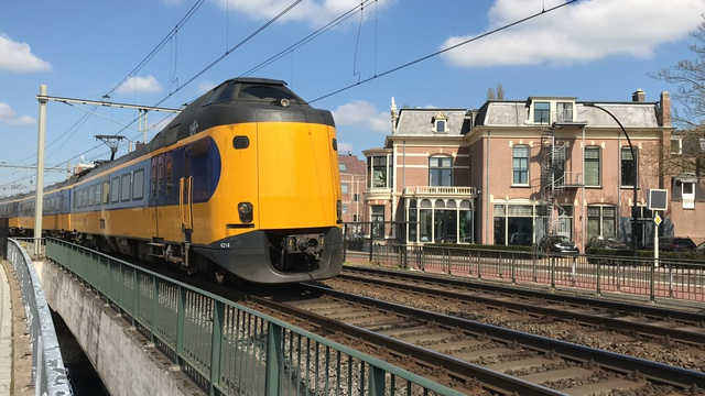 NL NS 94 94 4 390 214-3 IC 1739 Almelo