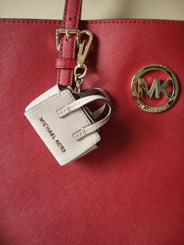 michael kors key charms selma key schl sselanh nger saffiano leder rosa neu ebay. Black Bedroom Furniture Sets. Home Design Ideas