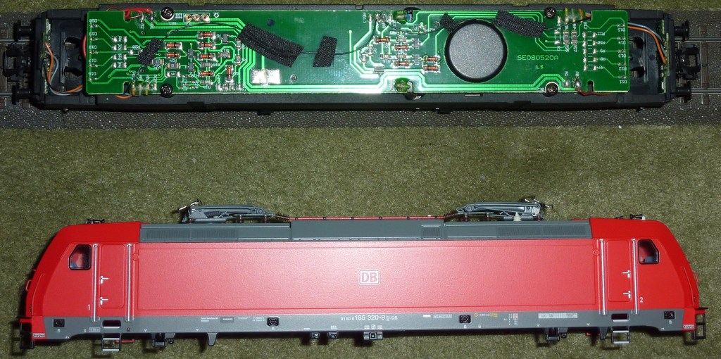 Neue TRAXX (185 320-9) im Einsatz P1160838xqkgx