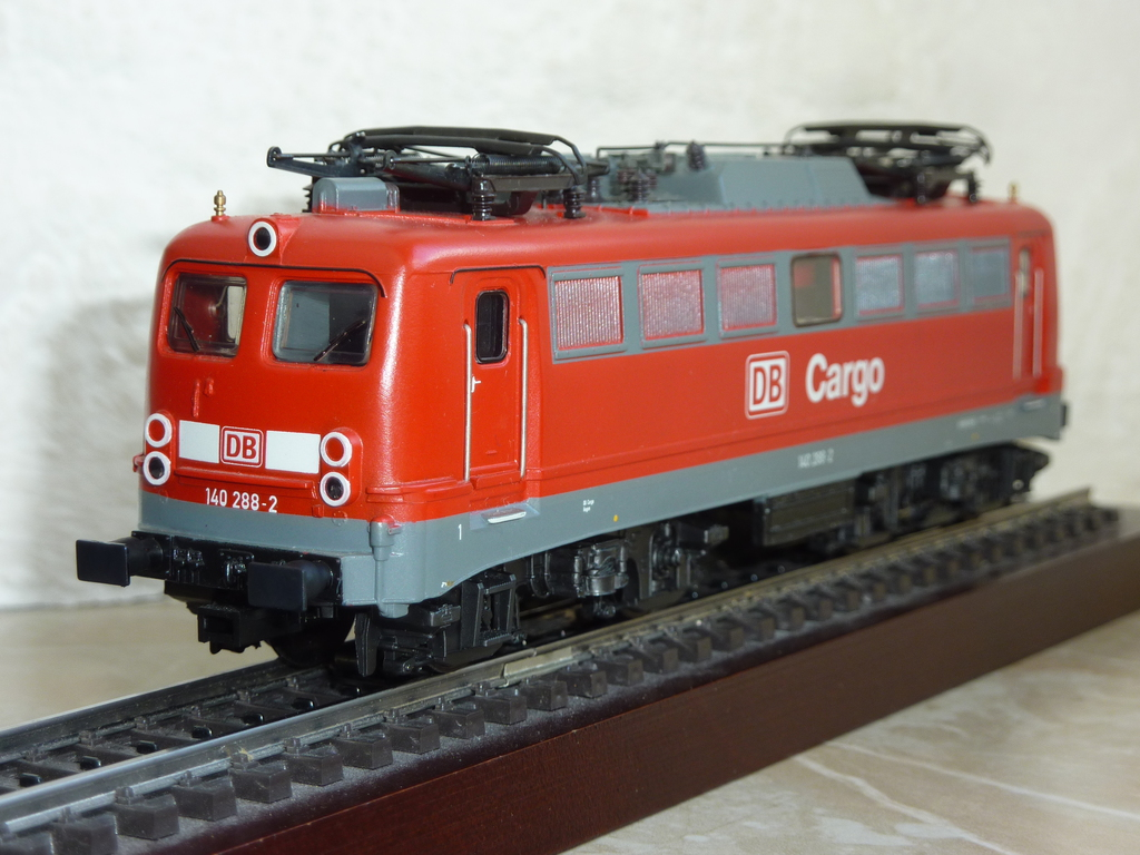Märklin 37401 BR 140 DB Cargo mit eckigen Puffern ausgestattet P11703468byqh