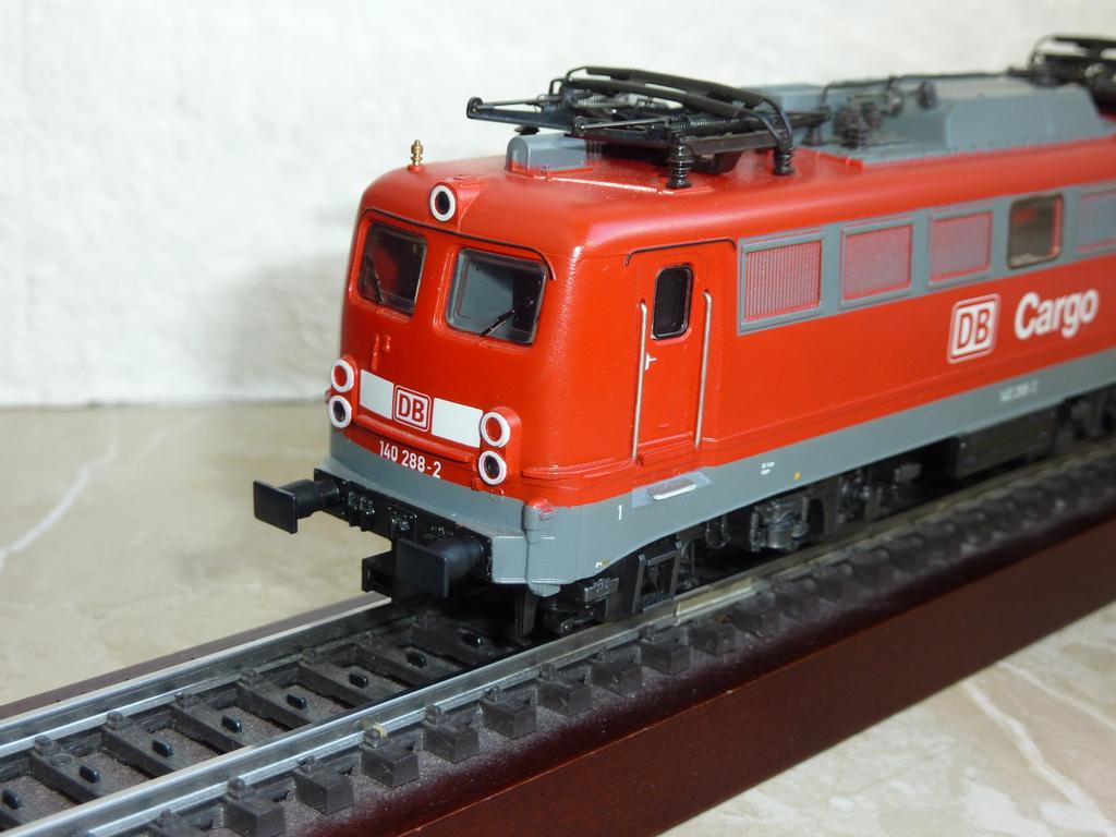 Märklin 37401 BR 140 DB Cargo mit eckigen Puffern ausgestattet P117034765zdg