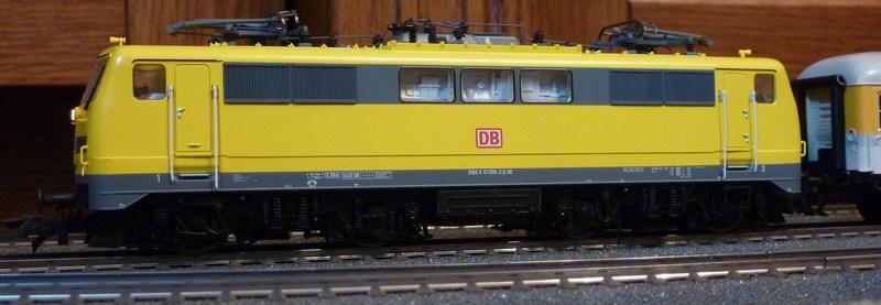 Roco 58590 111 059-2 in gelber Lackierung von DB Netz  P1180887wbjf2