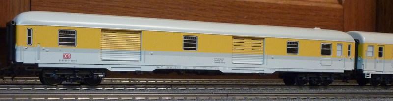 Roco 58590 111 059-2 in gelber Lackierung von DB Netz  P11808883wj8s