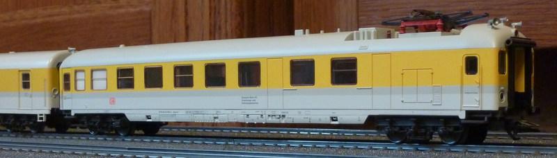 Roco 58590 111 059-2 in gelber Lackierung von DB Netz  P1180891ikkdm