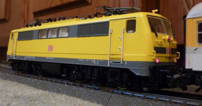 Roco 58590 111 059-2 in gelber Lackierung von DB Netz  P1180893t3jdy
