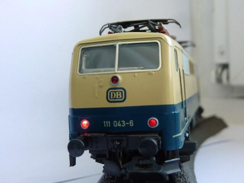 Märklin 3642 111 049-3 mit neuem Fahrwerk ausgestattet P12001769bjiv