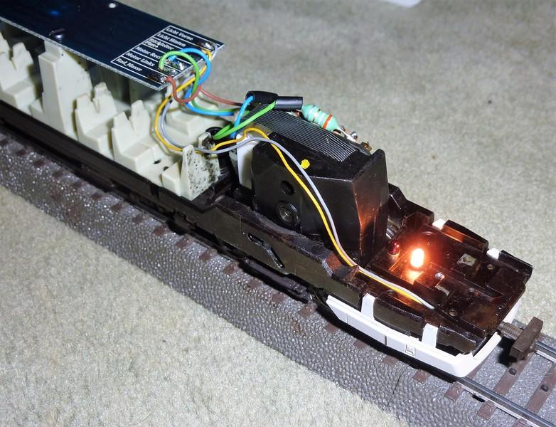 Märklin 3476 BR 610 Pendolino mit Umrüstplatinen auf HLA und mfx Decoder umgerüstet P12307872cju4