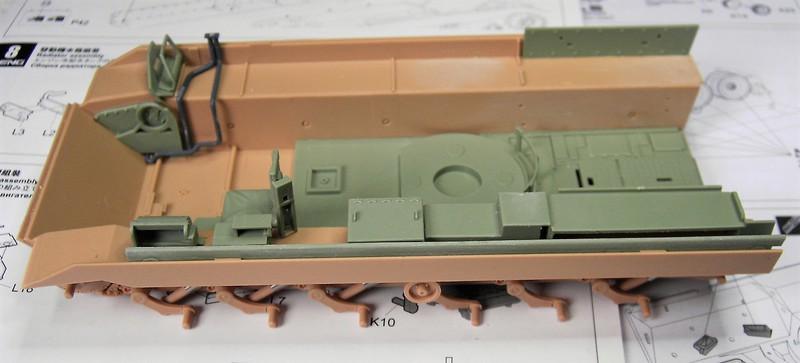 M3A3 Bradley mit Inneneinrichtung in 1:35 von Meng Pict63632nxx89