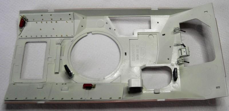 M3A3 Bradley mit Inneneinrichtung in 1:35 von Meng Pict637926oyoo