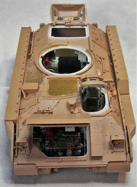 M3A3 Bradley mit Inneneinrichtung in 1:35 von Meng Pict63902bepw1