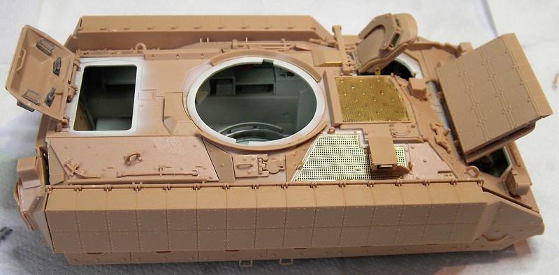 M3A3 Bradley mit Inneneinrichtung in 1:35 von Meng Pict639126dr4p