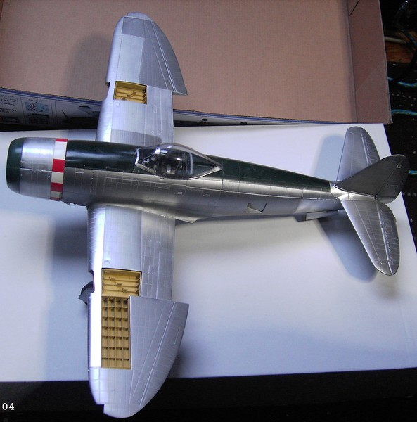 Republic P-47D Thunderbolt Bubbletop / Kinetic, 1:24 - Seite 2 Pict662225esdc
