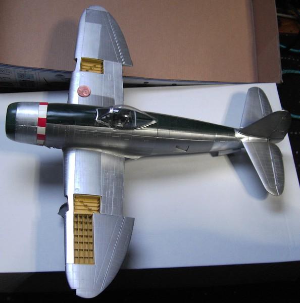 Republic P-47D Thunderbolt Bubbletop / Kinetic, 1:24 - Seite 2 Pict66242lus3l