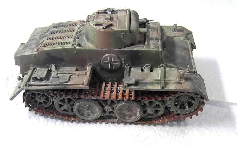 Pz I Ausf. F (VK 1801) in 1:35 von HobbyBoss Pict70592wmsj7