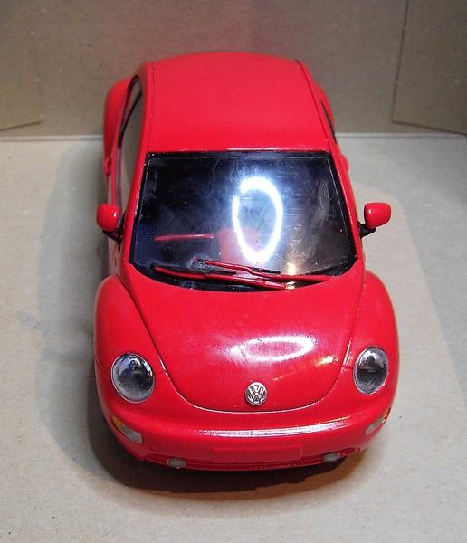 Volkswagen New Beetle 1:24 von Tamiya in der vorlackierten Version Pict77242bucyn