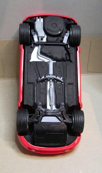 Volkswagen New Beetle 1:24 von Tamiya in der vorlackierten Version Pict7728214dxp