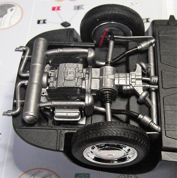 Porsche 356 Speedster in 1:16 von Revell Pict77572fkisa