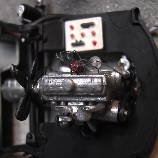 Cremeschnittchen - Renault 4 CV in 1:24 von Heller Pict8555212kc3