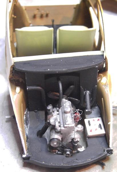 Cremeschnittchen - Renault 4 CV in 1:24 von Heller Pict86662nlkal