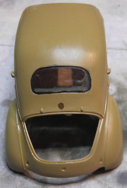 Cremeschnittchen - Renault 4 CV in 1:24 von Heller Pict866721cjce