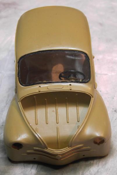 Cremeschnittchen - Renault 4 CV in 1:24 von Heller Pict86682rbjqe