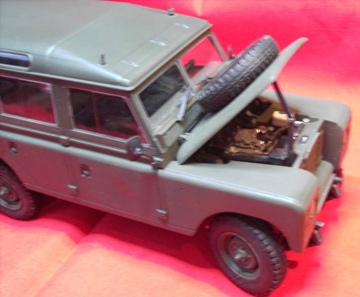 Land Rover Series III LWB in 1:24 Pict86772zwjsy