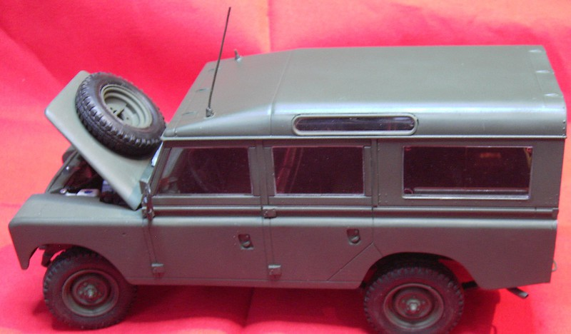 Land Rover Series III LWB in 1:24 Pict86782wkj21