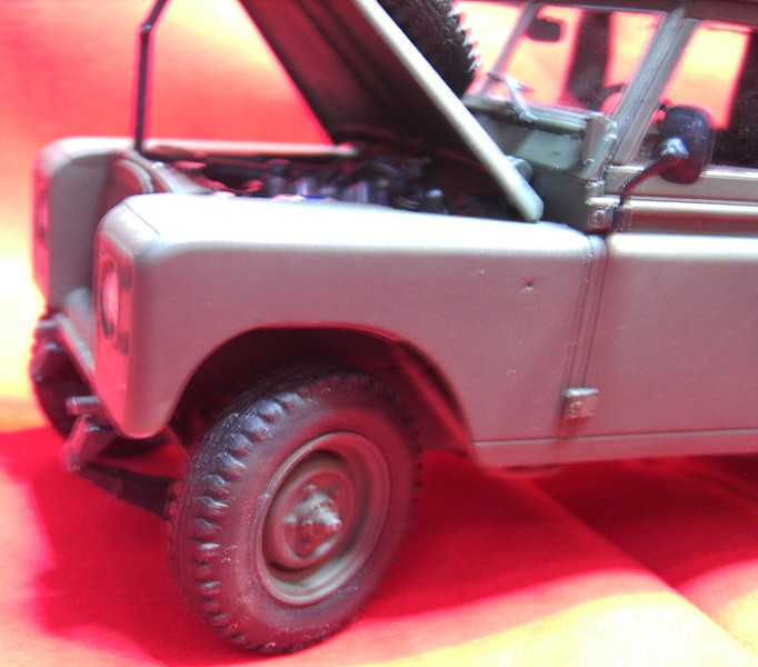 Land Rover Series III LWB in 1:24 Pict86792hgjty