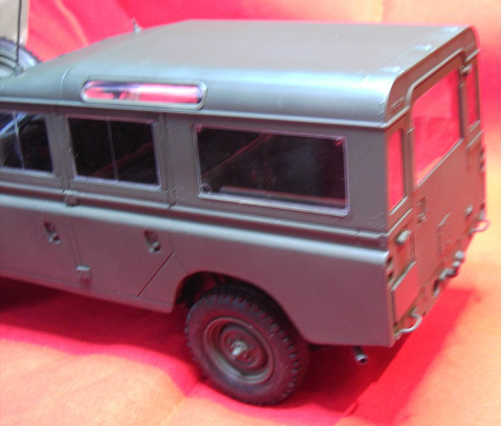Land Rover Series III LWB in 1:24 Pict868023tkmq