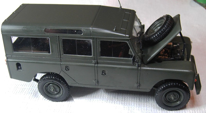 Land Rover Series III LWB in 1:24 Pict87032z5j9n