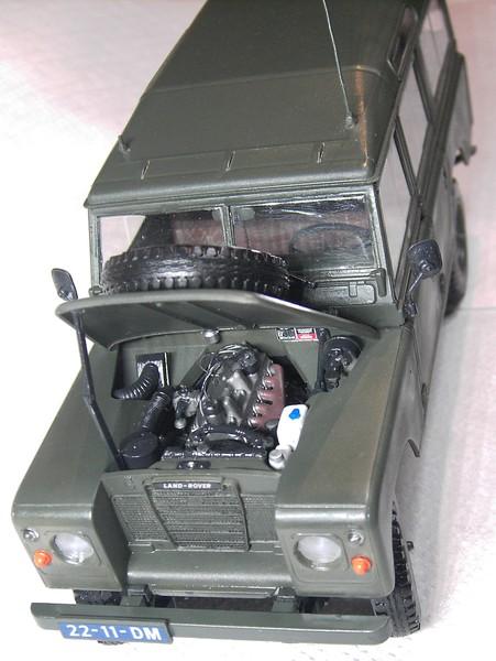 Land Rover Series III LWB in 1:24 Pict87042geken