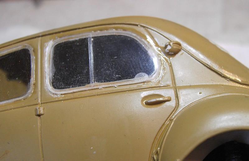 Cremeschnittchen - Renault 4 CV in 1:24 von Heller Pict88862grjoj