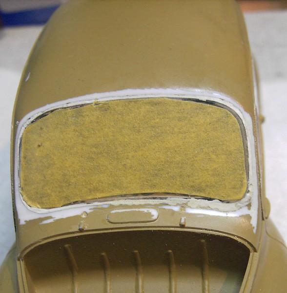 Cremeschnittchen - Renault 4 CV in 1:24 von Heller Pict88892sjjun