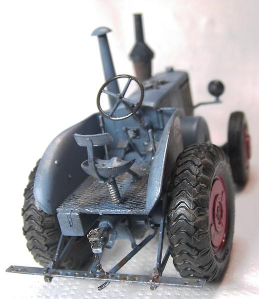 German Tractor D8506 in 1:35 von MiniArt - Seite 2 Pict92762wbk1f