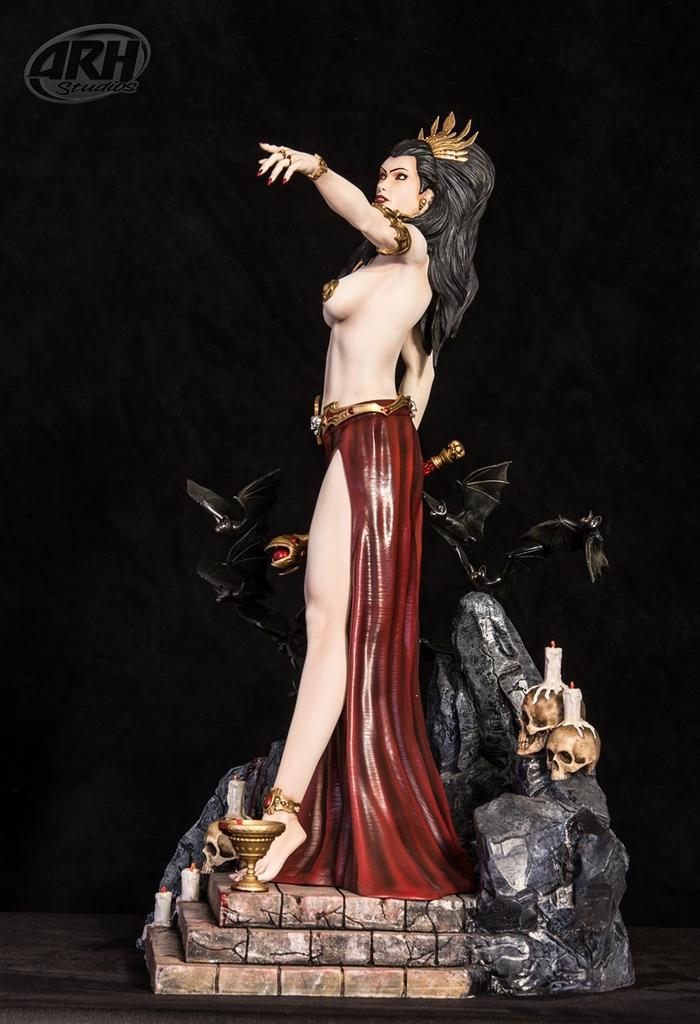 [Bild: queen-of-vampires2-4mtkucm.jpg]