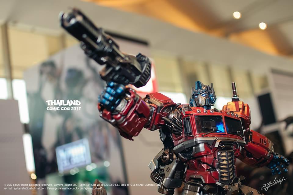 Premium Collectibles : Transformers - Optimus Prime (G1) R34n8l3ykn
