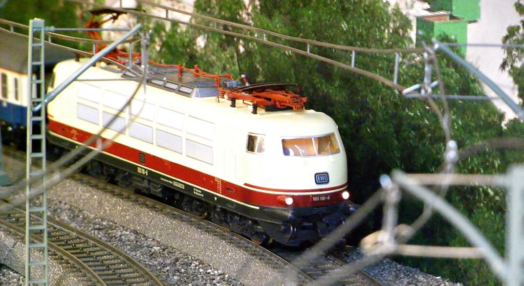 Die erste und die letzte von Fleischmann produzierte 103 Rimg0113.10dqq9g