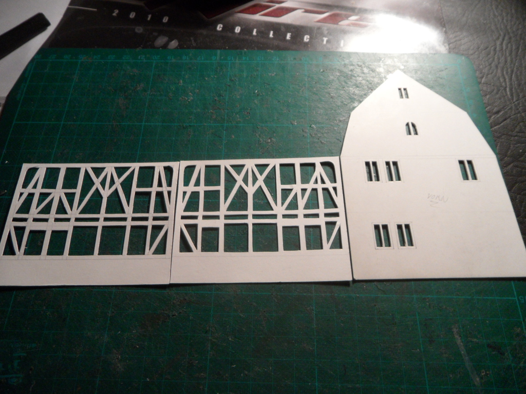 Kleines Fachwerkhaus mit Scheune - Stummis Modellbahnforum